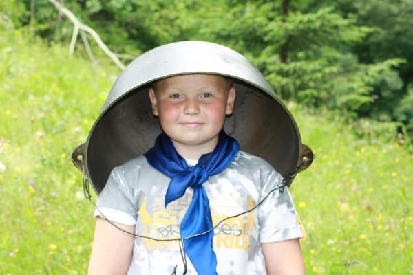 Что собрать ребенку с собой в осенний и зимний лагерь